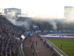1024px-Zenit_fans_Petrovsky